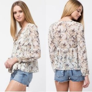 🐻❄️FINAL PRICE🐻❄️ NWT~ Pin Tuck Floral Blouse